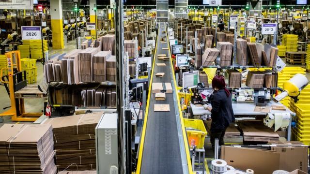 Amazon Xanten Rheinberg Amazon Rheinberg Einblick in die Logistikhallen Inbound Outbo