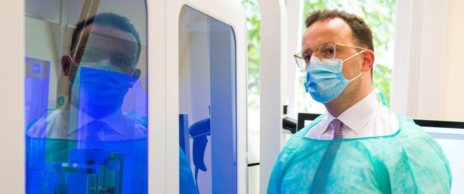 Bundesgesundheitsminister Spahn besucht Virologie