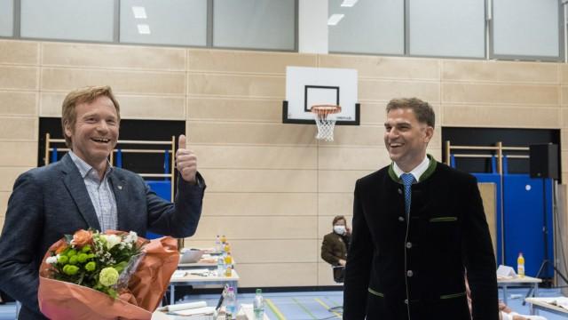 Kirchheim, Turnhalle der Grundschule, konstituierende Gemeinderatssitzung