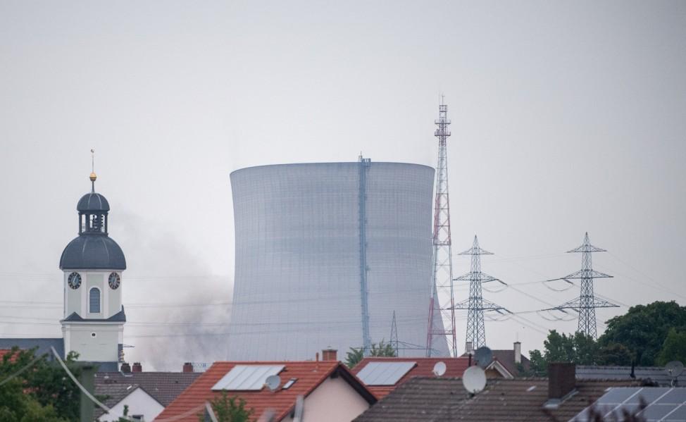 Kernkraftwerk Philippsburg - Sprengung der Kühltürme