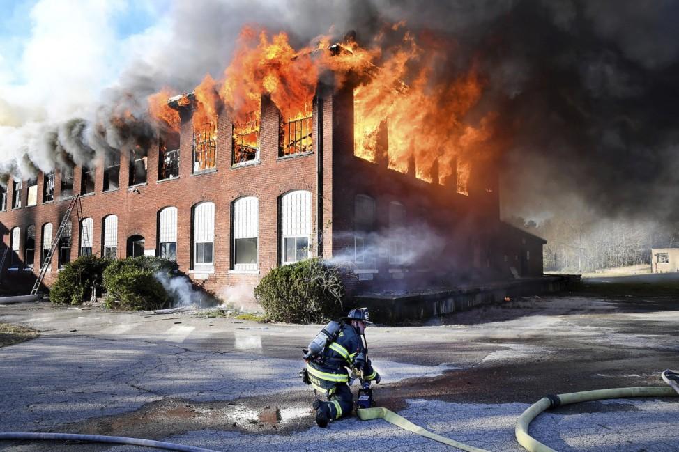 Textilfabrik brennt in den USA