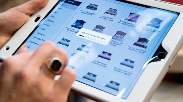 Shoppen mit Abstand: Tücken beim Möbelkauf über das Internet