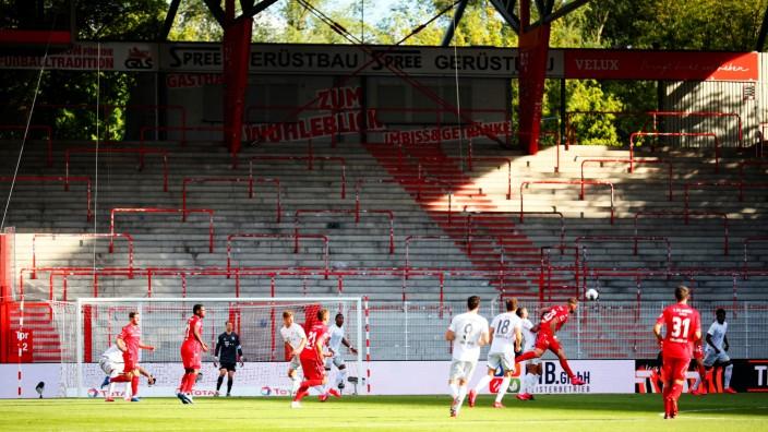 Bundesliga: FC Bayern München gegen Union Berlin während der Corona-Krise