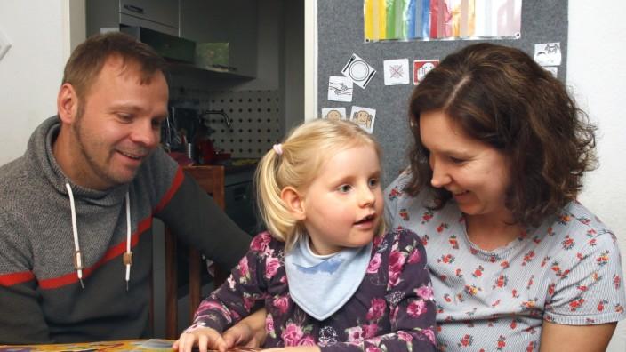 Kind leidet am Angelmann-Syndrom