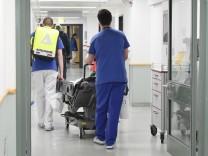 Krankenhaus in München nimmt nach Stabilisierung in der Corona-Krise Regelbetrieb wieder auf, 2020