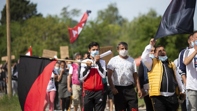 Protest von Saisonarbeitern auf Spargelhof