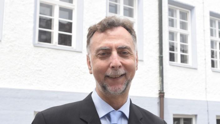 VHS-Leiter wollen öffnen: Geschäftsführer der Dachauer VHS Matthias Buschhaus.
