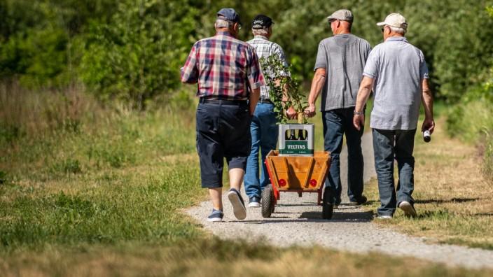 Vatertagstour mit Bollerwagen
