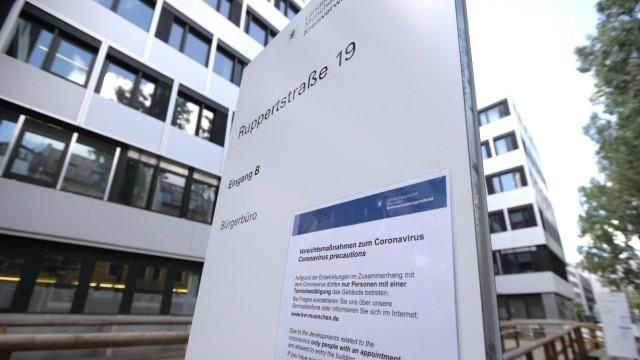 Ohne Termin darf niemand mehr das Gebäude des KVR in der Ruppertstraße betreten.