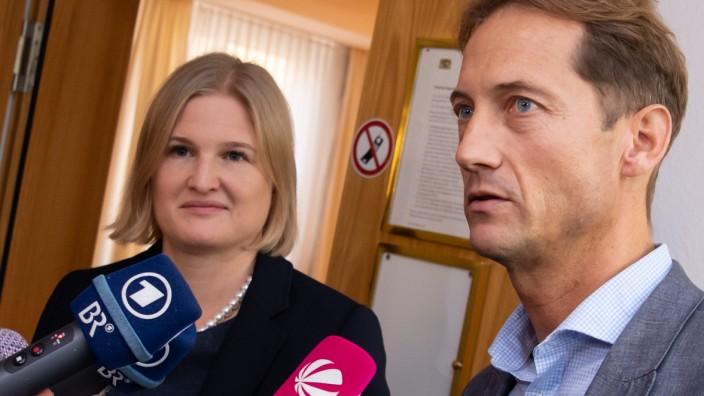 Gegen die Fraktionschefs Katrin Ebner-Steiner und Ingo Hahn haben sich viele Gegner verbündet.