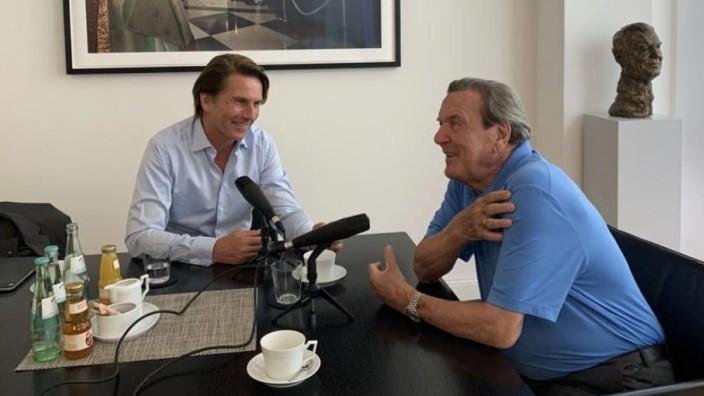 Altkanzler Gerhard Schröder startet ersten Podcast