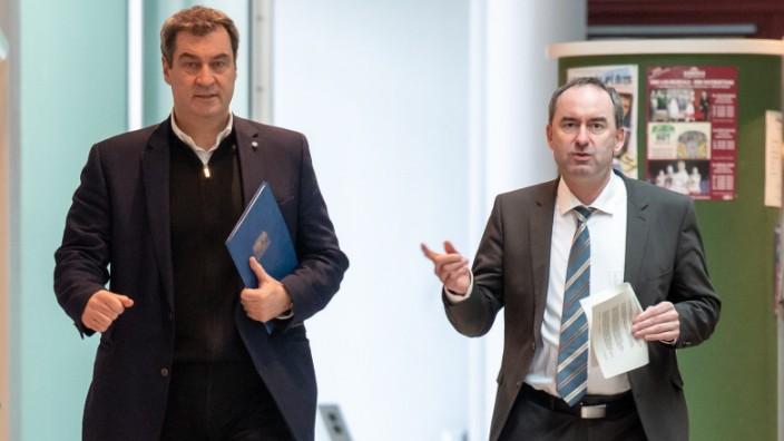 Ministerpräsident Markus Söder (CSU) und Wirtschaftsminister Hubert Aiwanger (Freie Wähler)