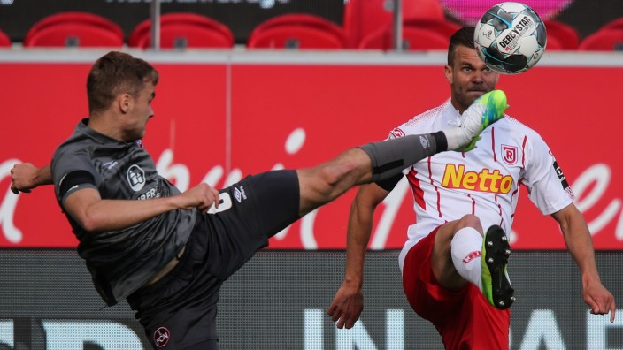 SSV Jahn Regensburg v 1. FC Nürnberg - Second Bundesliga