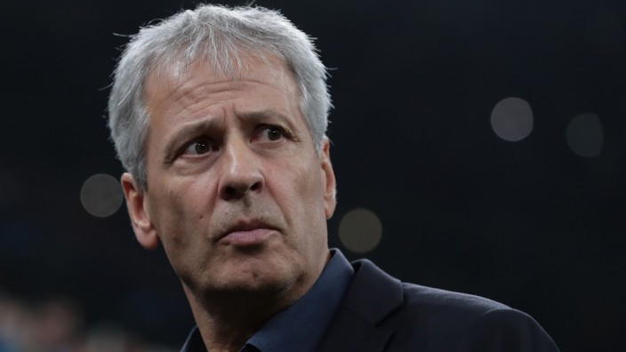Champions League: BVB-Trainer Lucien Favre beim Spiel gegen Inter Mailand