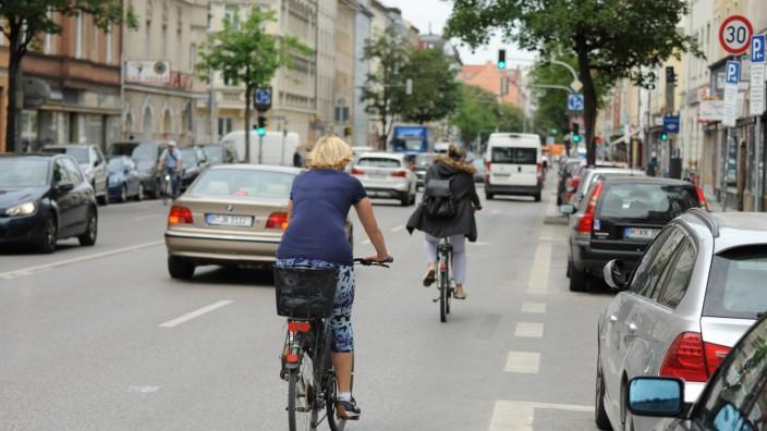 Fahrradfahrer im Münchner Stadtverkehr, 2020