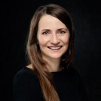 Portrait  Carina Seeburg