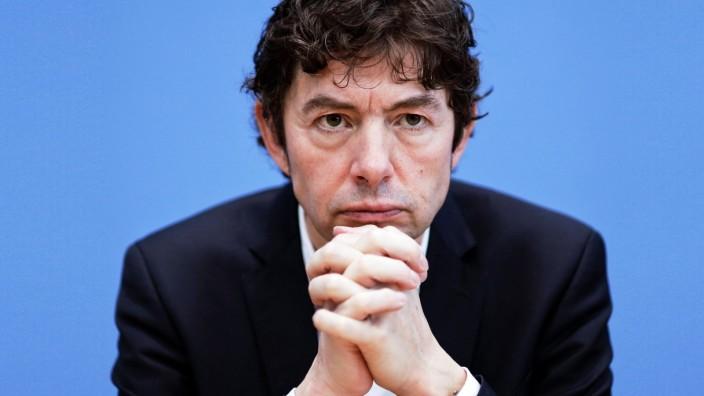 02.03.2020, Berlin, Deutschland - Pressekonferenz: Unterrichtung des Bundesministeriums fuer Gesundheit zum Umgang mit d
