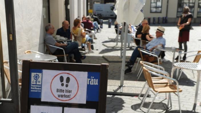 Wiedereröffnung der Freischankflächen in München nach Lockerungen in der Coronakrise, 2020