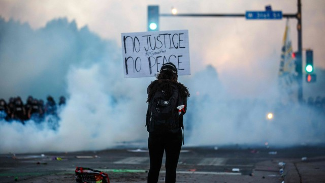 Riots in Minneapolis after death of George Floyd