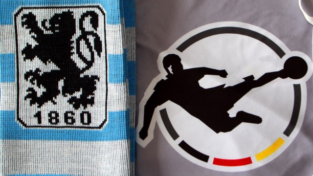 Vereinswappen der Drittligisten TSV 1860 München, Wappen der 3. Liga und Mundschutzmaske. Die Drittligisten wollen die d; 1860
