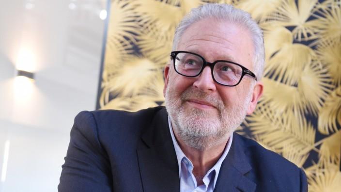 Martin Moszkowicz im Büro der Constantin Film in München, 2019