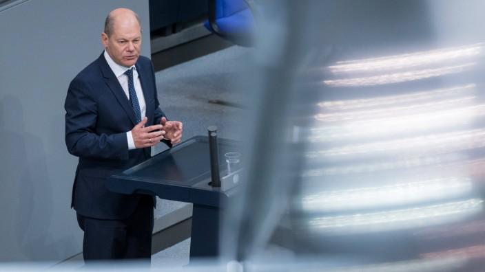 Berlin, Plenarsitzung im Bundestag Deutschland, Berlin - 29.05.2020: Im Bild ist Olaf Scholz (Vizekanzler, Finanzministe