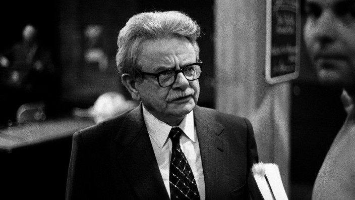 Elias Canetti Writer 01 May 1965 PUBLICATIONxINxGERxSUIxAUTxONLY Copyright: MaryxEvansxxxAFxArchive 12049397 editorial u