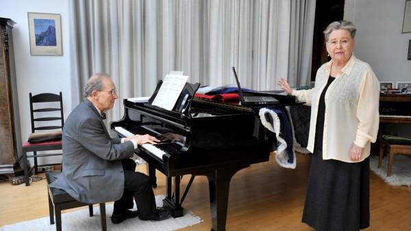Gilching: Gernot Sieber & Hannelore Husemann-Sieber geben Unterricht via Telefon & ZOOM
