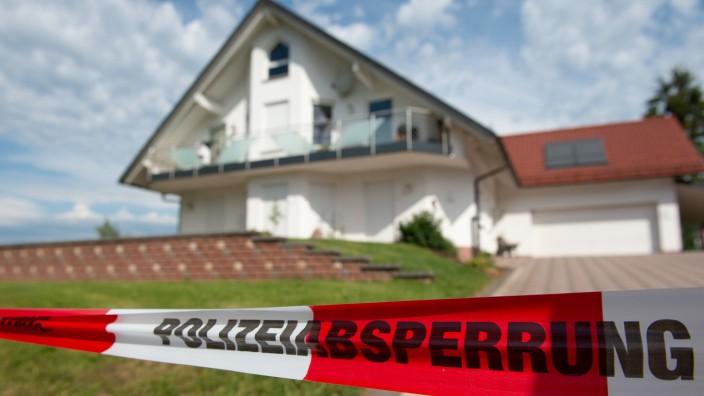 Abgesperrtes Haus des ermordeteten CDU-Politikers Walter Lübcke