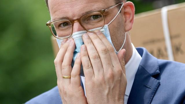 Coronavirus - Übergabe von 100 Millionen gespendeten Schutzmasken