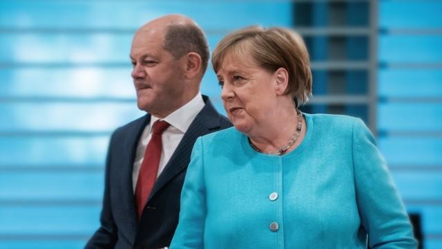 Bundesregierung: Angela Merkel und Olaf Scholz bei einer Kabinettssitzung