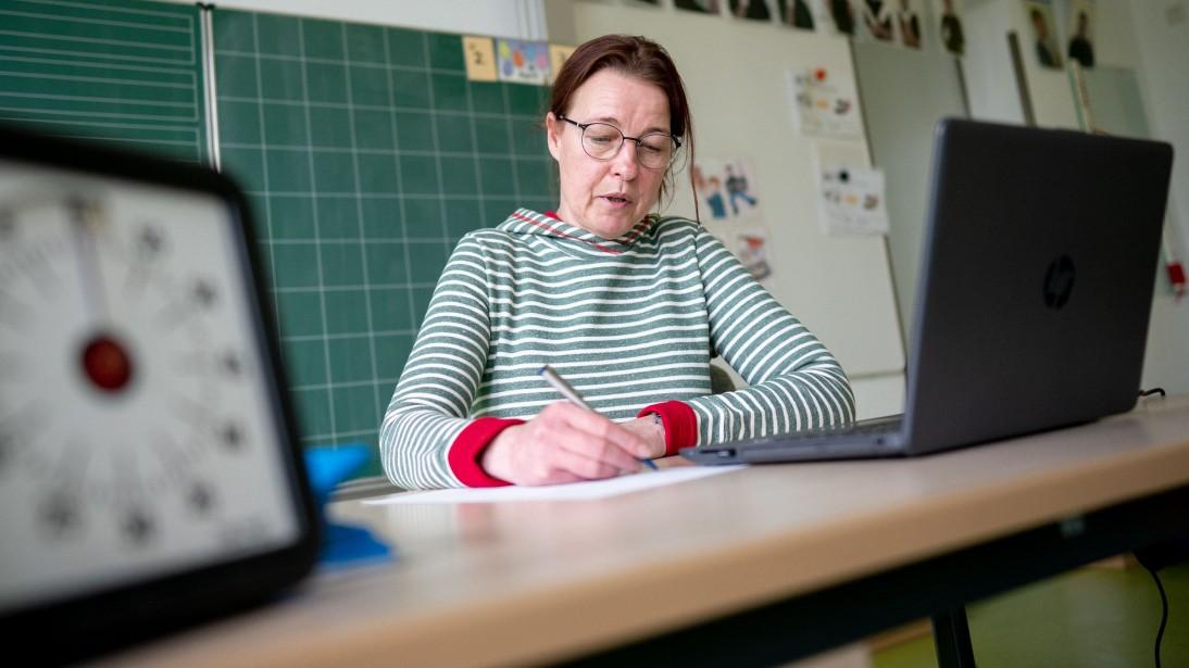 datenschutz-streit-ber-mails-und-videochats-in-schulen