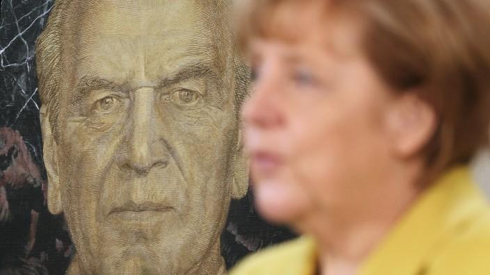 Merkel Receives Epiphany Singers