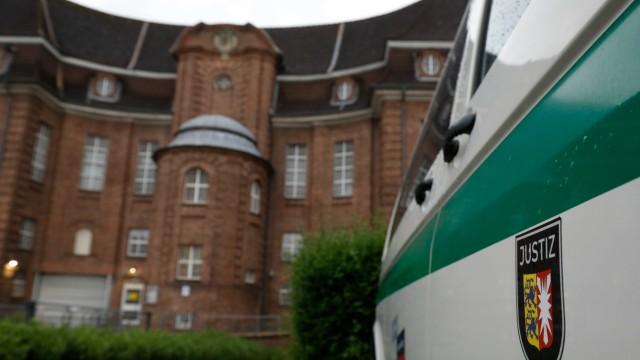 Schleswig-Holstein: Seit vergangenem Oktober sitzt Christian B. in der JVA Kiel hinter Gittern - nicht zum ersten Mal.