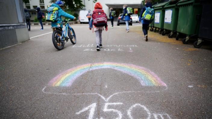 Abstandsregelung in einer Grundschule