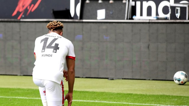 Bundesliga - Eintracht Frankfurt v 1. FSV Mainz 05