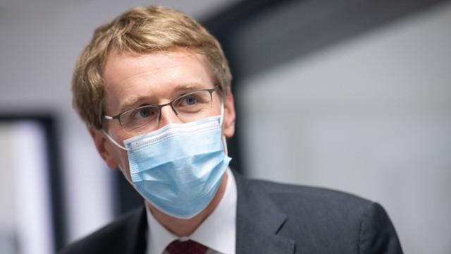 Ministerpräsident Günther bei Euroimmun - Corona-Tests