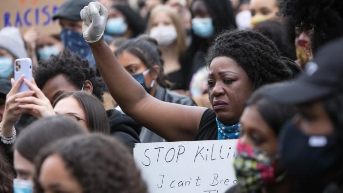 Demo gegen Rassismus: Black Live Matters. Auf dem Königsplatz.