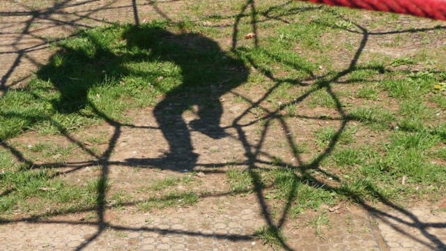 kletternetz,schattenbild *** climbing net,shadow l0d-g6u
