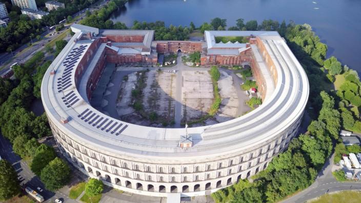 Ehemaliges Reichsparteitagsgelände am großen Dutzendteich unvollendete Kongresshalle der NSDAP 1933