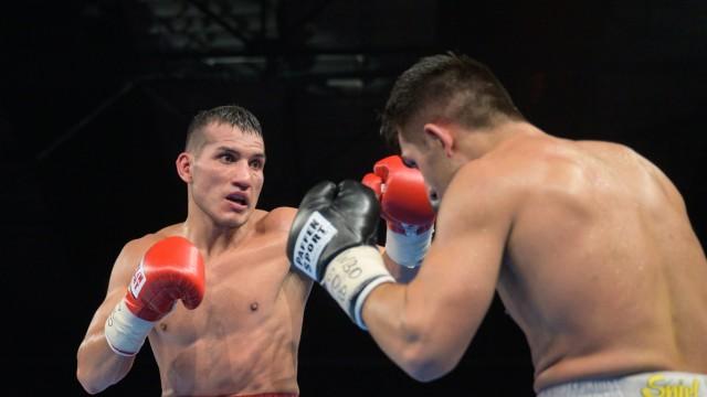 v.l. Jack Culcay, Jama Saidi, - Profiboxer - Halbmittelgewicht - WBO Europen Titel Kampf, 23.11.2019, Profiboxen - AGON