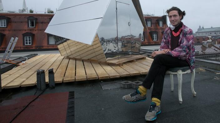 Jakob Wirth will so lange wie möglich in seinem selbstgezimmerten Haus über den Dächern Münchens verbringen.