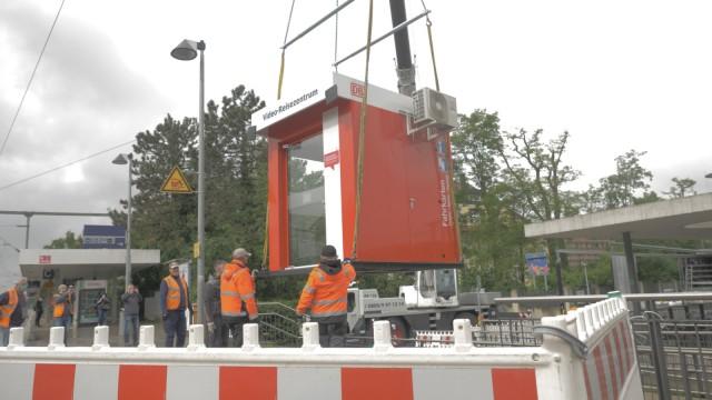 Eröffnung 100. Video-Verkaufsstelle der Deutschen Bahn am S-Bahnhof Moosach