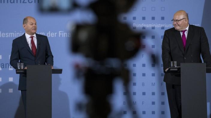 Finanzminister und Vizekanzler Olaf Scholz (SPD, links) und Bundeswirtschaftsminister Peter Altmaier (CDU) bei einer Pr