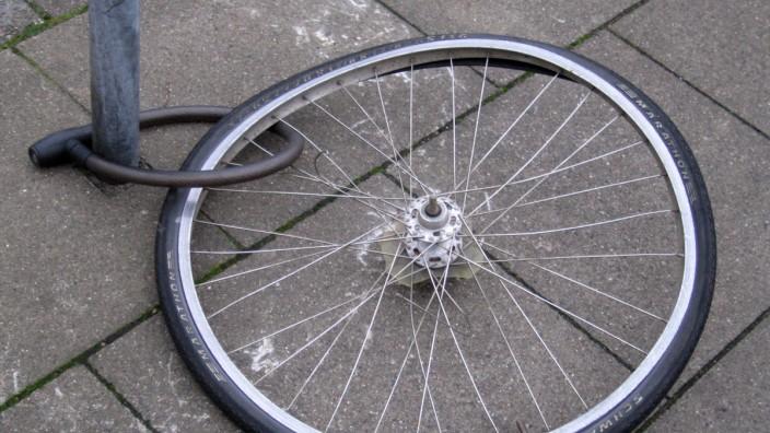 Reifen eines gestohlenenen Fahrrads