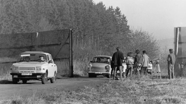 Neueröffneter Grenzübergang Ullitz an der innerdeutschen Grenze, 1989