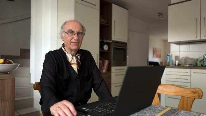 FREISING: Aktivsenior BERND HOFF -Montags-Interview