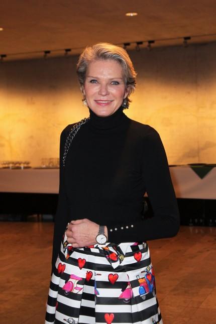 Stephanie von Pfuel Performance und Ausstellung DER ANDERE LAUFSTEG Opening Performance zur Aust
