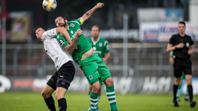 3. Fussball Bundesliga; Viktoria Koeln - TSV 1860 Muenchen; 16.06.2020 Zweikampf Moritz Fritz ( 23, Viktoria Koeln), Sas; Mölders