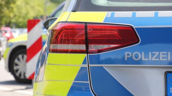 Symbolbilder / Themenbilder: Polizei, Rettungsdienst, Feuerwehr Polizei, Blaulicht, Einsatz,Niedersachsen, Hannover, No